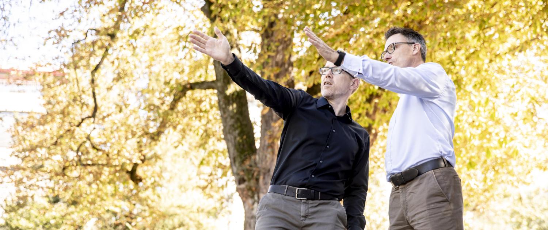 Zwei Männer in einer Coaching Situation